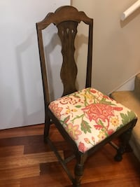 Antique chair Arlington, 22206
