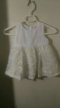 Infants's white sleeveless dress Omaha