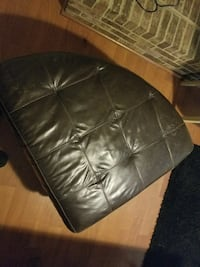 Leather center table Gaithersburg, 20879