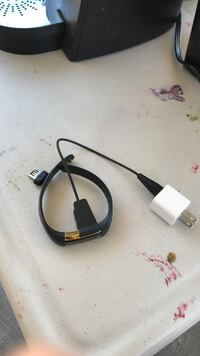black and red USB cable Modesto, 95351