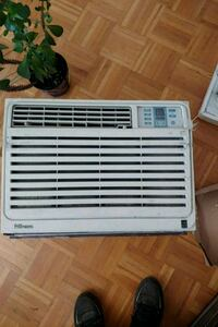 Working air conditioner 19'5  inch wide 15 inch he Toronto, M2R 2S8