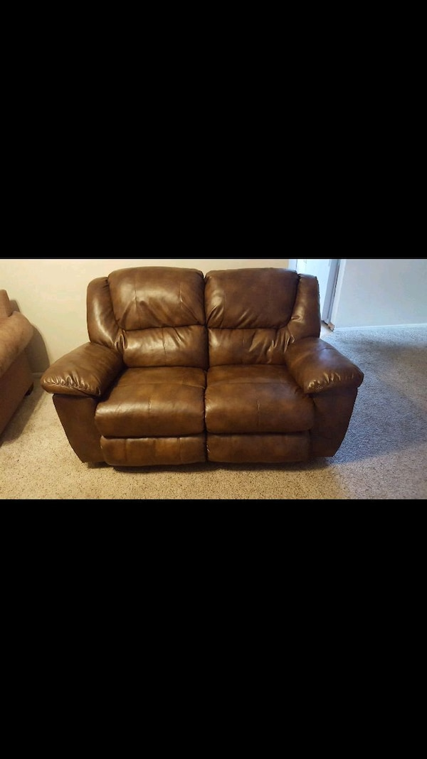 Used brown leather 3-seat recliner sofa for sale in Englewood - letgo