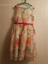 Girls Size 8 pretty party dress- perfect for the f Mississauga, L5E 3J1