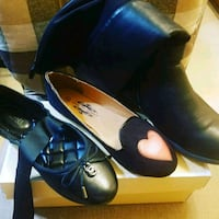 pair of black leather pointed-toe pumps Brooklyn, 11206