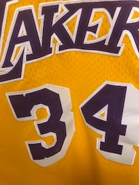 Lakers Shaq jersey size xxl some number chipping  376 mi