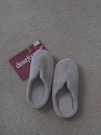 Size 7 to 8 slippers Roseville, 95678