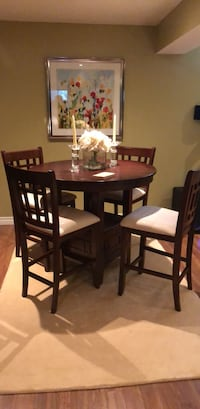 Brown wooden dining table set Pickering, L1V 1T3