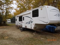 33' Mountaineer 5th Wheel Oliver, V0H 1T0
