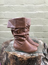 pair of brown leather boots Modesto, 95351