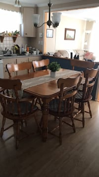 rectangular brown wooden table with six chairs dining set Saint-Philippe, J0L 2K0