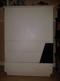 Real Wood Sturdy Dresser null