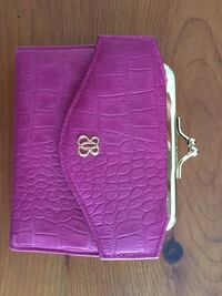 Purple leather wallet  Toronto, M2M 2A9