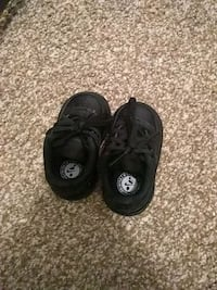 Baby shoes size 2c Indianapolis, 46268