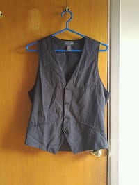 gray button-up sleeveless top Laval, H7W 2R8