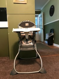white and black high chair Taylors, 29687