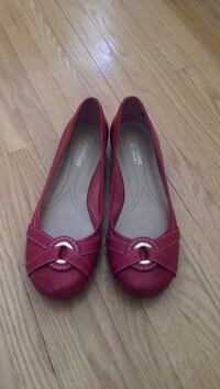 Pair of red flats London, N6H 4G5