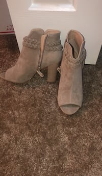 pair of gray suede booties Foley, 36535
