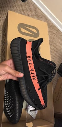 Yeezy boost 350 v2 core black red  Toronto, M9M 0A5