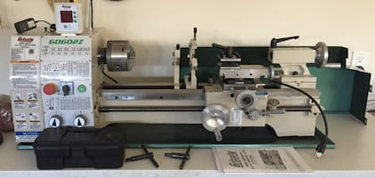 """Grizzly G0602Z 10"""" x 22"""" Benchtop Metal Lathe with DRO"""