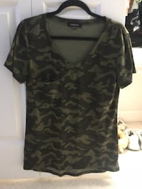 camouflage v-neck short sleeve t-shirt North Reading, 01864