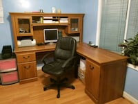brown wooden desk with rolling chair Frederick, 21704