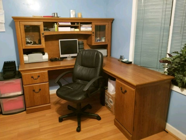 Office desk. Great condition. Chair already sold.