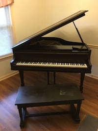 Piano with seat Memphis, 38125