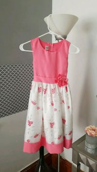 girl's pink and white floral sleeveless dress Saint Paul, 55106