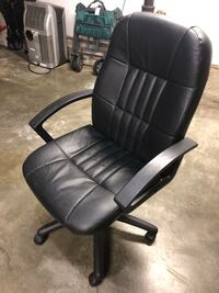 Rolling leather chair Millbrae