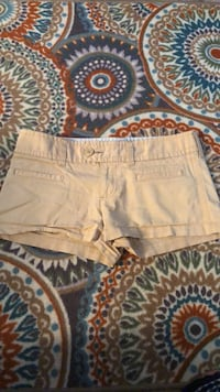 Size 6 American Eagle khaki shorts woman/junior Des Moines, 50317