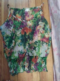green and red floral spaghetti strap top Haverhill, 01832