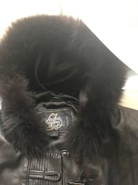 leatger Jacket with fur hood size M New York, 10462