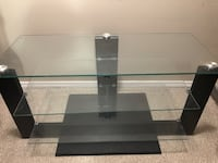 Tv stand  Calgary, T2Y 0H7