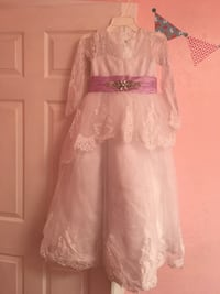 Flower girl dress size 7/8 Concord, 94519