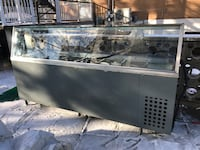 Refrigerated glass display case with aluminum frame with new compressor Montréal, H1S 1J4