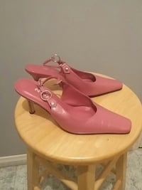 pair of pink heels Waterford, N0E 1Y0