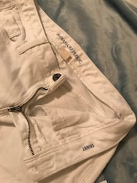 White and black hollister denim bottoms Hillsboro, 97123