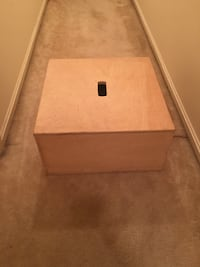 Large wooden storage box Gaithersburg