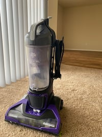 Vacuum cleaner (Great for pets)