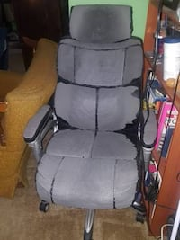 Free Office Chair Los Angeles