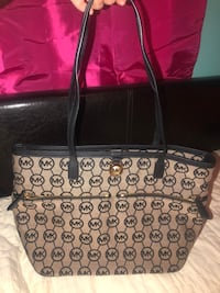 Authentic Michael Kors Purse  Lexington, 29073