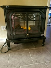 Sunbeam electric stove fireplace heater Surrey, V3R 0Y1