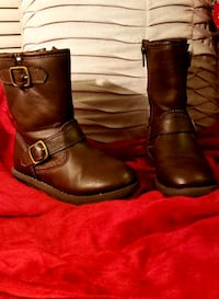 Carter's boots size 7.  Ranson, 25438