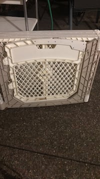 White and gray plastic pet fence San Mateo, 94404
