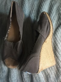 pair of black leather slip-on shoes Leesburg, 20176