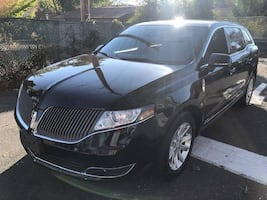Lincoln-MKT Town Car-2014
