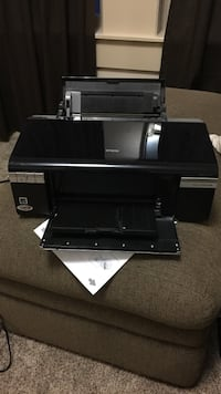 Epson printer. Looks new works great
