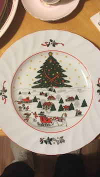 Christmas pleasure ceramic plates whole lot or by piece