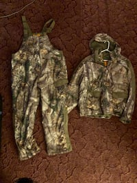 2xl bibs and jacket. Both Insulated   Centreville, 21617
