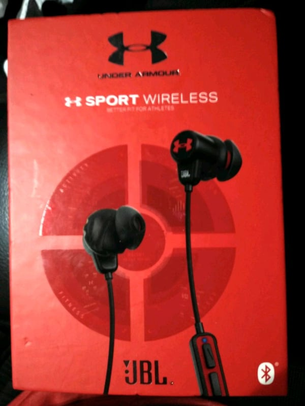 UnderArmour Bluetooth NEW IN BOX NoT NEGOTIABLE!!  75025e3e-935d-435b-991c-18c5a94c83eb